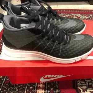 Nike Shoes - Never worn Nike running sneakers 10.5